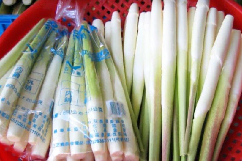 茭白筍營養價值高,紅到日本被評選為「超級食物」。(圖/西米設計@Youtube)