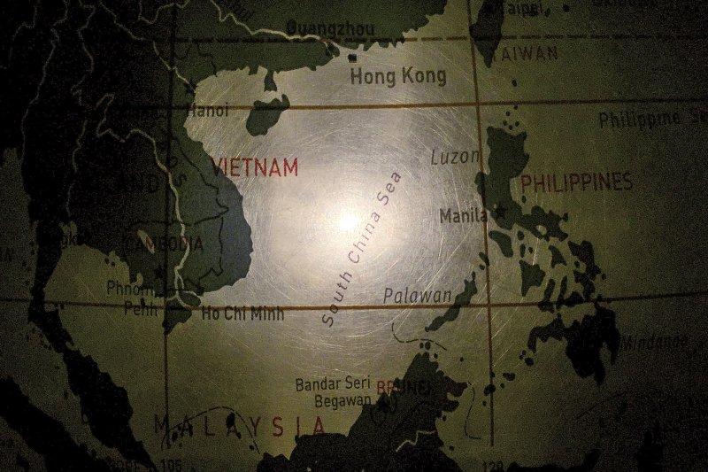 動畫片《壞壞萌雪怪》將台灣劃入南海爭議中中國主張主權的「九段線」,引發爭議。(資料照,美聯社)