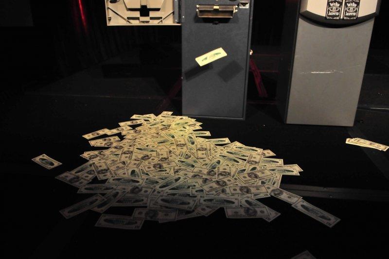 2016-07-12-Barnaby Jack展示盜領ATM技術-取自Flickr-Dan Tentler攝
