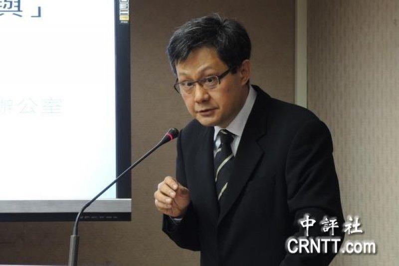 前總統馬英九今(14)以不具名方式點名台大法律系教授姜皇池,他去年一篇關於太平島的文章被菲律賓律師在訴訟過程中不斷引用,暗指這是造成太平島被降格的原因。(中評社)