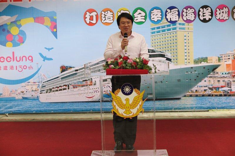 基隆市長林右昌(見圖)表示,肯定基隆市警察局局長楊源明將升至警政署主任秘書的調升。(基隆市政府提供)