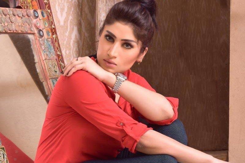 巴基斯坦女星坎迪亞・布洛許(Qandeel Baloch)遭親生兄弟「榮譽處決」。(個人臉書)
