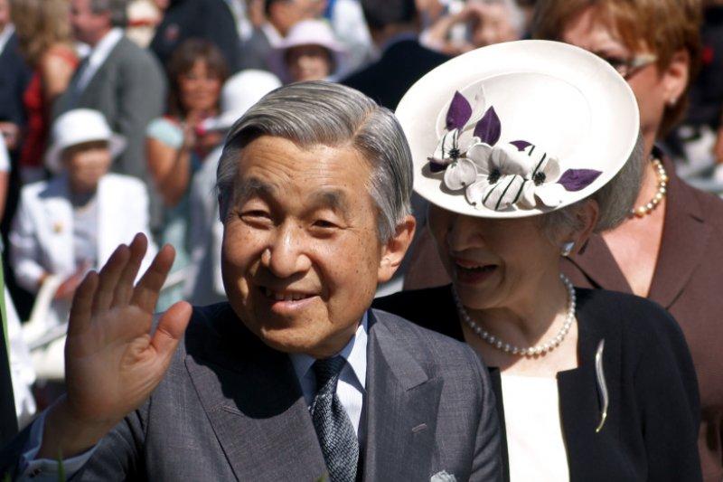 自本月13日NHK報導日本明仁天皇有「生前退位」(せいぜん たいい)的意向之後,引起多方揣測。(圖/維基百科)