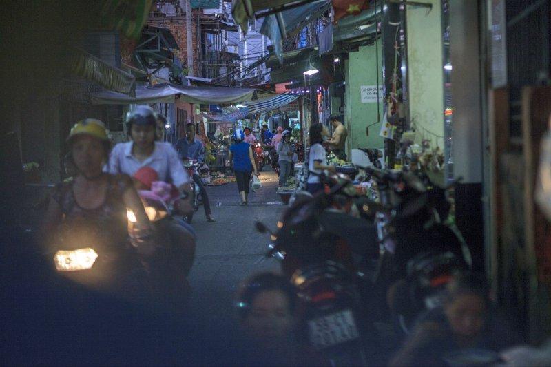 越南巷弄中充滿機車。(圖取自網路)