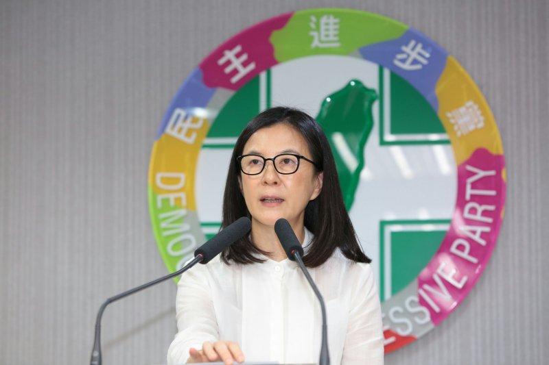 2016-07-20-民進黨中執會後說明-台南市議員邱莉莉-顏麟宇攝