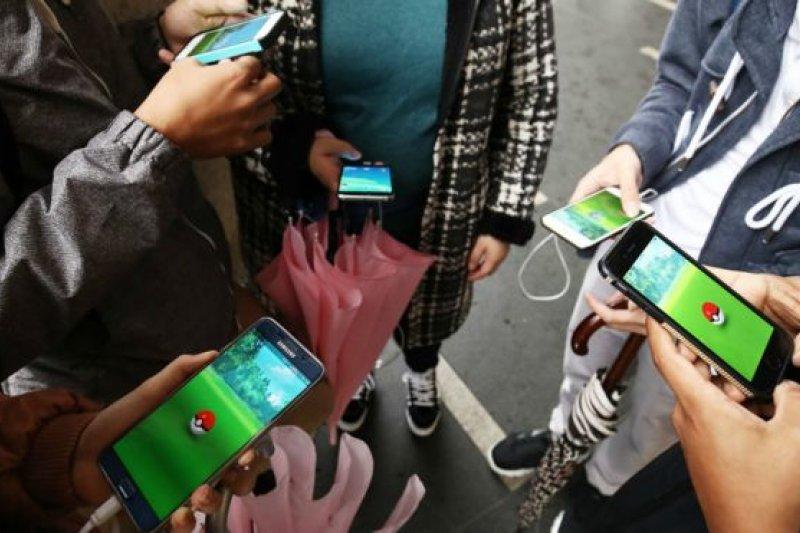 不少網友翹首以待Pokemon Go遊戲登陸中國,亦懷念童年生活。(BBC中文網)