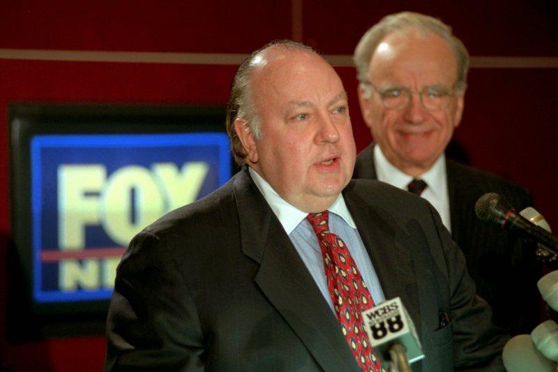 美國最大新聞台「福斯新聞」執行長艾爾斯因性騷擾醜聞閃電辭職。(美聯社)