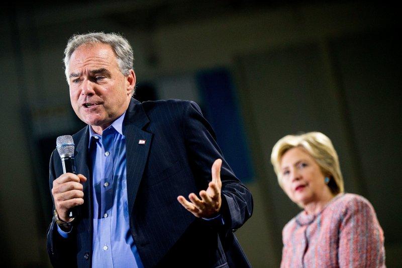 美國民主黨準總統候選人希拉蕊(Hillary Clinton)與副總統候選人凱因(Tim Kaine)(美聯社)