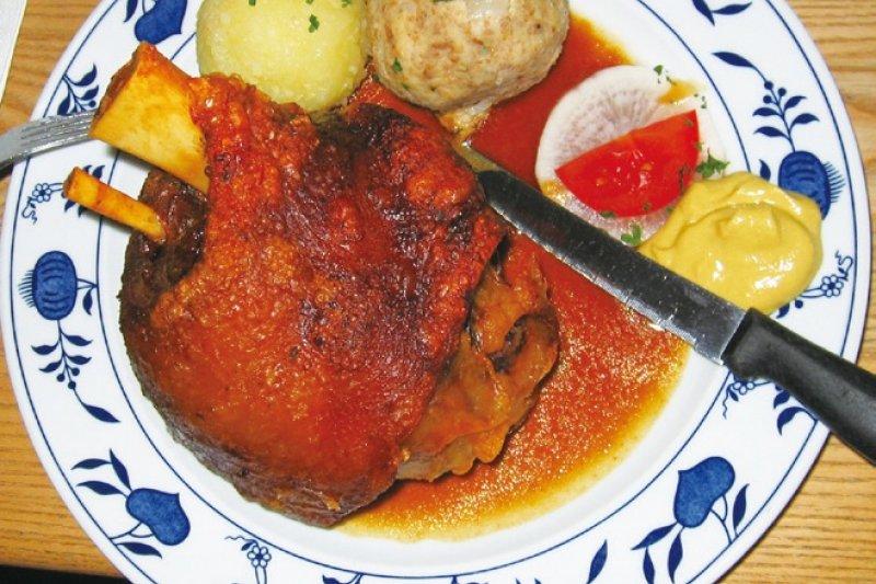 外酥內嫩的巴伐利亞豬腿絕對美味,但已非德國佳餚的唯一代表!(圖/太雅出版提供)