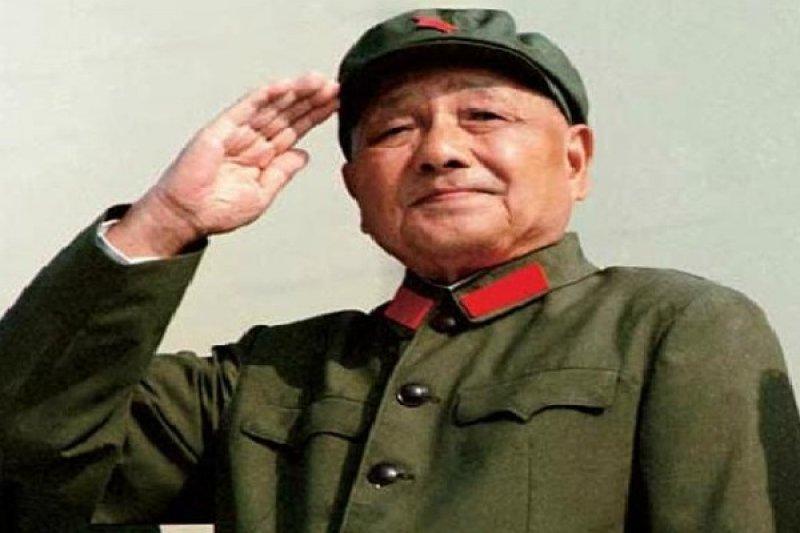 作者認為,在歷史最緊要關頭,鄧小平選擇了暴政邪惡,因為他選擇了與極左聯手,對新興的政治變革力量祭以殺手,中國歷史又一次向惡發展。(資料照,取自網路)