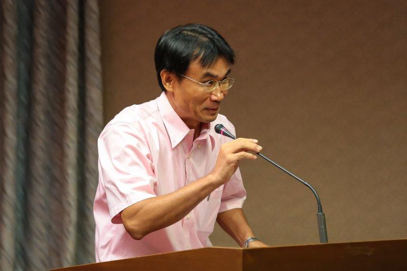 農委會副主委陳吉仲28日出席「新政府推動再生能源之機遇與挑戰」公聽會。(顏麟宇攝)