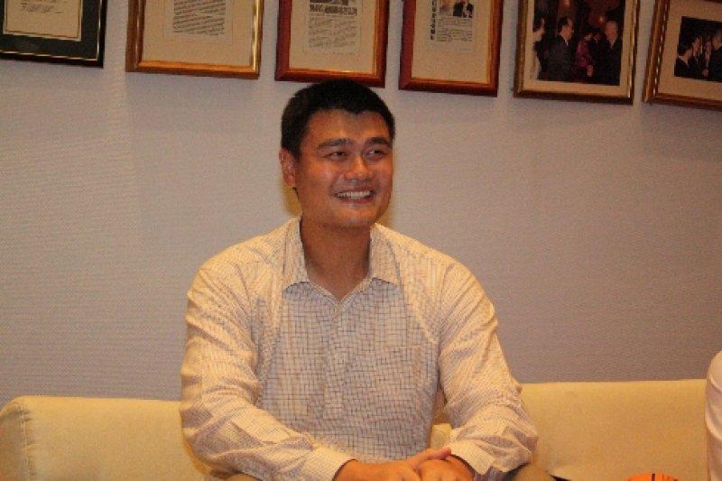 台北市副市長鄧家基28日上午受訪表示,球星姚明(圖)來台進行運動交流,市長樂觀其成,且北市府已作好萬全準備。(取自台中市政府新聞局網站)