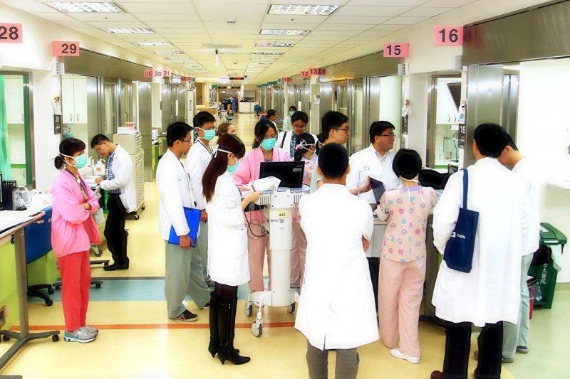 20160730-SMG0045-001-加護病房。(台大醫院心血管中心).JPG