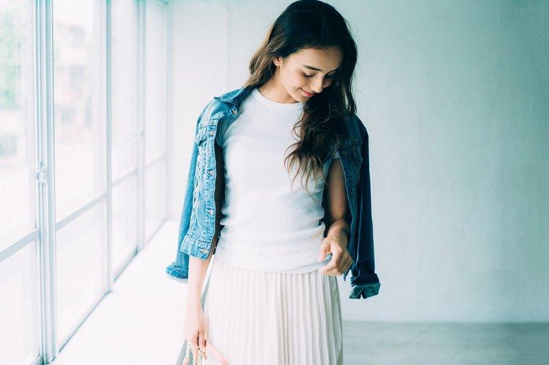 便宜的衣服也能搭出時尚感!(示意圖/Uniqlo@facebook)