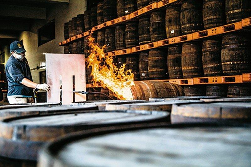 台灣釀的威士忌,浸染整個土地的風情...(圖/蔡昇達攝影,天下雜誌提供)