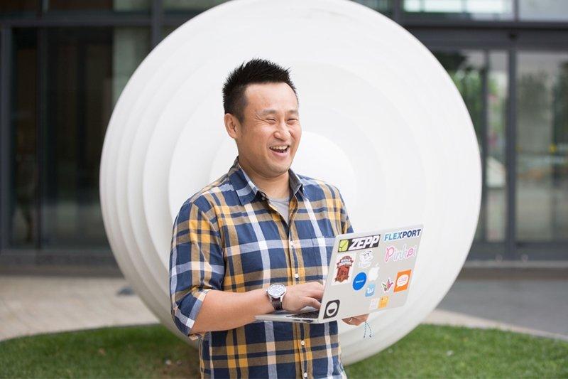 心元資本創辦人鄭博仁是在美國矽谷、中國、台灣的網路新創投資領域都相當活躍的青年創業者。(圖/心元資本提供)