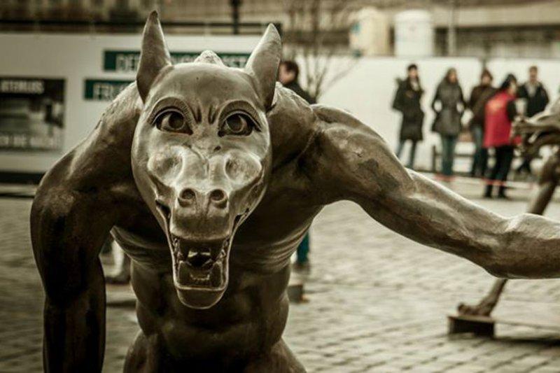 德國藝術家歐普卡(Rainer Opolka)的作品「狼群回來了」(Die Wölfe sind zurück)。(取自Die Wölfe sind zurück臉書)