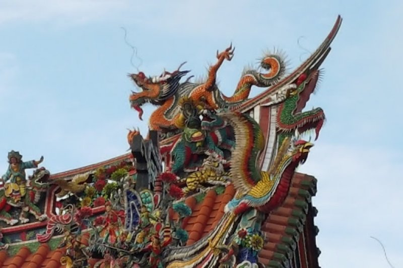 全台灣有高達一萬兩千多座廟宇,都有許多美麗的裝飾,這些廟宇也可以被視為台灣傳統藝術的美術館。(圖/Ramble Taipei 漫步台北)