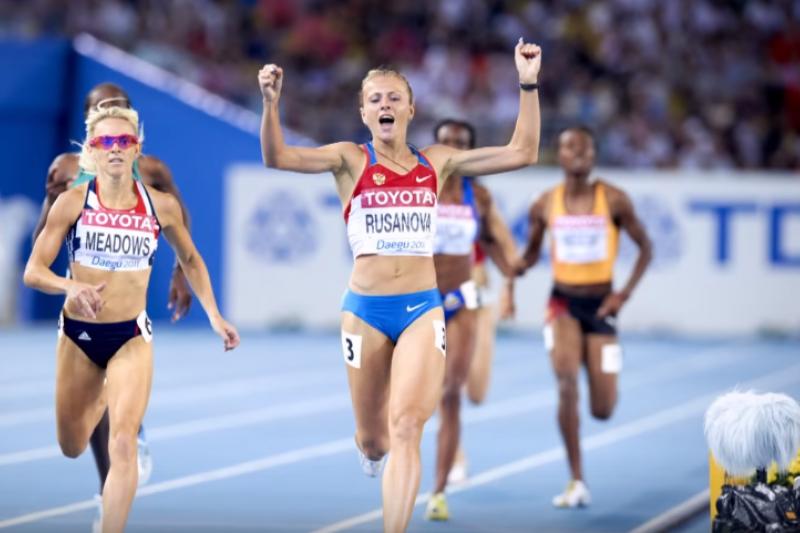 尤莉亞的專長是800米,個人最佳成績是1分56.99秒,這個成績,是靠禁藥拿到的…(圖/公視提供)