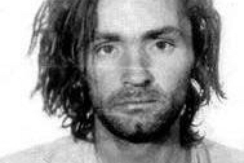1969年35歲的曼森,教唆其信徒「曼森家族」連續奪走9人性命。(圖/維基百科)
