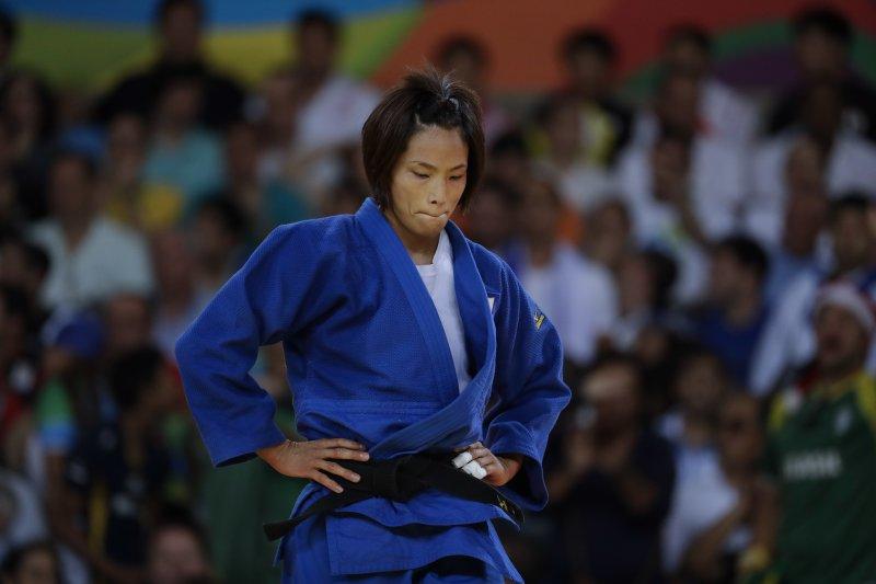 台灣柔道女將連珍羚不敵強手松本薰,與銅牌擦肩而過。(美聯社)