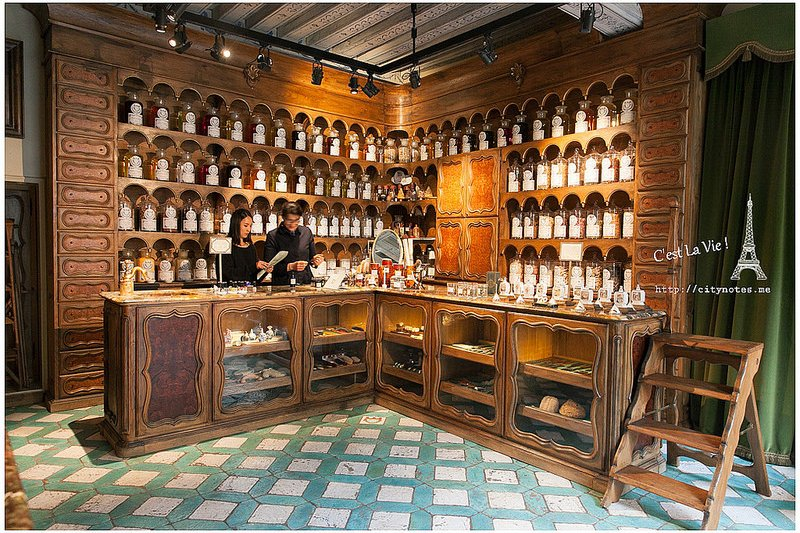 何不親臨巴黎百年香氛藥妝店,在19世紀香氛大師的帶領之下,來段浪漫的香氛之旅?(圖/由城市。食畫誌)