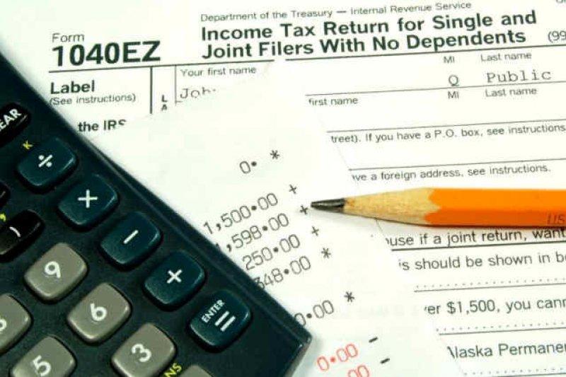 窮人迫切地需要退稅後的支票供應生活支出,甚至願意付出寶貴的一百多美元,只為了盡快辦妥一切。(圖片取自www.northwestbuffalo.org)