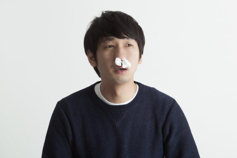 快感冒的感覺先吃感冒藥,可以把它「壓」下去嗎?(圖/pakutaso)