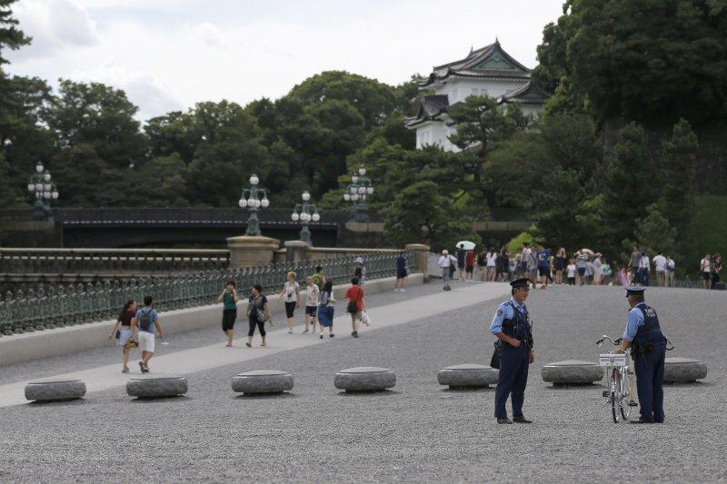 明仁天皇與皇室所在的東京皇居。(美聯社)