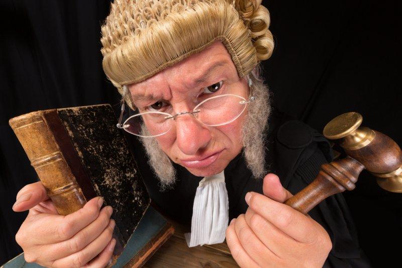 正值全國司法改革會議前夕,司法院人事案卻又要捲土重來,在這一陣激烈討論當中,有一個重要的問題,卻始終沒什麼能見度,那就是「大法官的任期問題。」(法操司想傳媒提供)