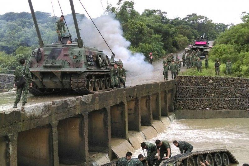 陸軍CM11戰車翻覆失事意外。(陸軍提供)