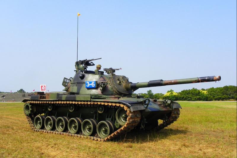陸軍564旅今天進行漢光演習預演時,一輛戰車翻覆入網紗溪,4名軍官與士兵命危,已緊急送往恆春南門醫院及旅遊醫院。(同型戰車,取自wiki)