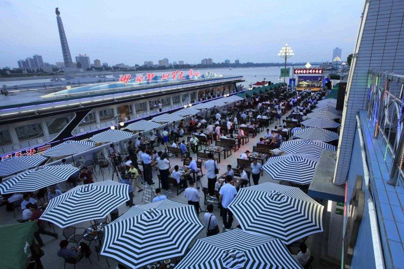 北韓首都平壤舉行啤酒節(AP)