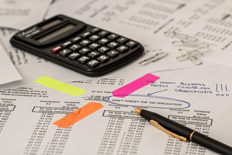 作者身為退休保險精算師,解釋何謂「隱藏負債」。(示意圖,取自pixabay)