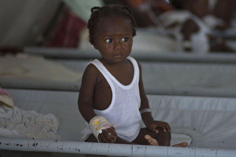 在世上最貧窮的國家,有一成以上的孩子會因為缺乏營養與醫療而活不過五歲,這些國家的青少年是因為幸運才能活下來。(AP)
