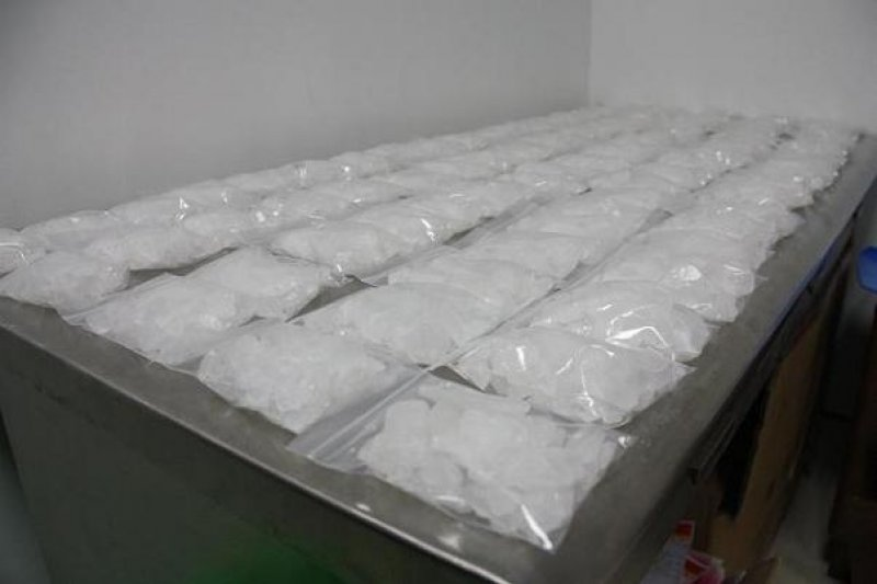 印尼政府18日在雅加達北區查獲60公斤的甲基安非他命,當場逮捕5名台灣人,根據以往的判例,這些台灣人恐被判處死刑。圖為冰毒。(取自中國海關總署網站)