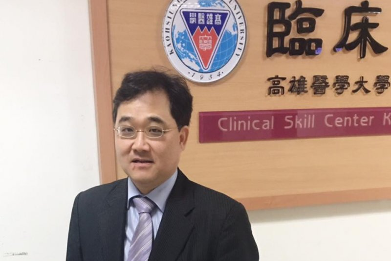 身兼高雄醫學大學公共衛生學系兼任助理教授的洪子仁。(取自洪子仁臉書)