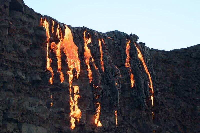 夏威夷的火山融岩(AP)