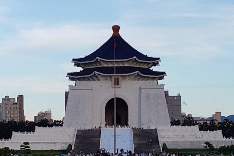 中正紀念堂古色古香的建築,向來是觀光客赴台的首選之一。但是這些復古中國式建築的意義,你了解多少呢?(圖/取自Ramble Taipei 漫步台北)