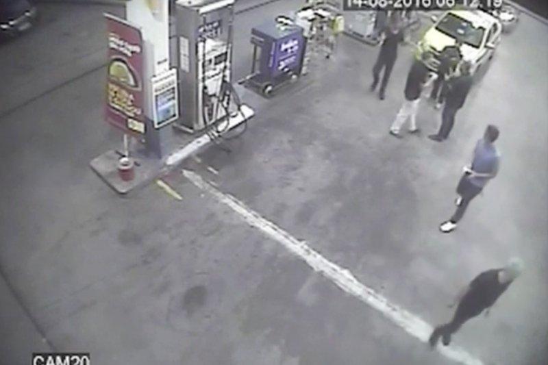 羅切特等美國選手在里約加油站的惡行惡狀全被監視器拍下。(美聯社)