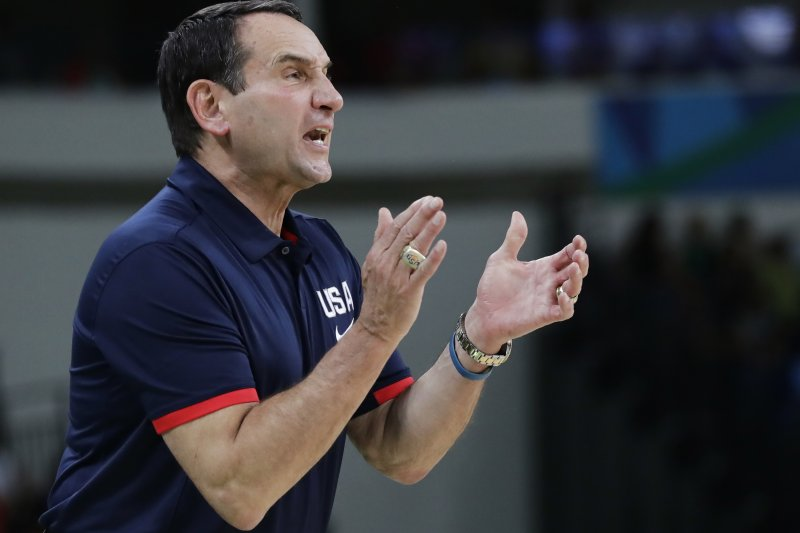 隨著美國男籃完成奧運三連霸,人稱「K教練」的薛夏夫斯基(Mike Krzyzewski)也要卸下兵符。(美聯社)