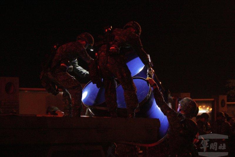 「漢光32號」軍演,「漢光32號」軍演23日凌晨首度進行「雪山隧道封阻」預演(軍聞社)