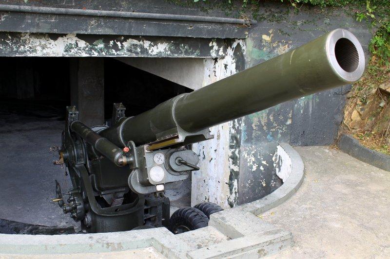 金門獅山砲陣地的八吋砲(金門縣政府)