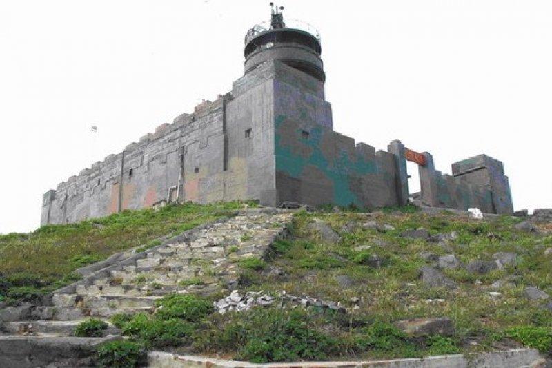 烏坵燈塔目前為金門縣定古蹟,在文史工作者努力下,文化局已於日前表示,其有望升格為國定古蹟。(資料照,取自文化部)