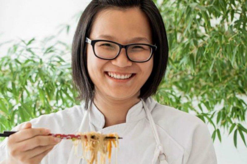 12歲跟隨父母移居巴西的廣西桂林人蔣璞在去年贏得真人秀節目《我要做廚神》巴西版第二季的季軍。(BBC中文網)