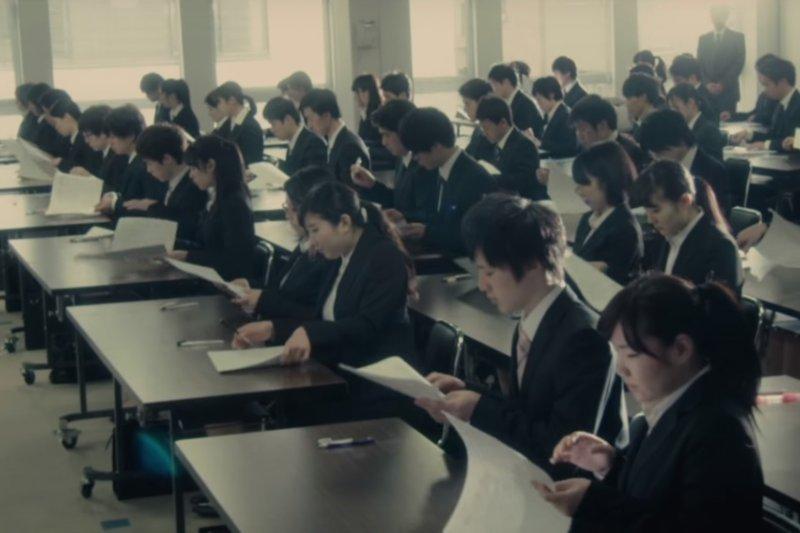 作者在文中訂正《新國富論》中譯本的瑕疵,並討論日本人負責與謙虛的品性。(圖取自Youtube)