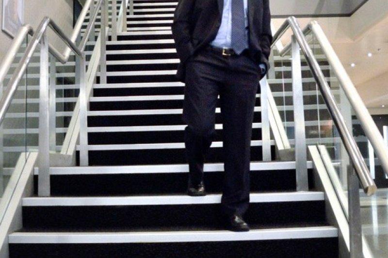 企管顧問謝先生認為,「勞工才是最需要政府照顧的人!」(取自US Embassy@flickr)