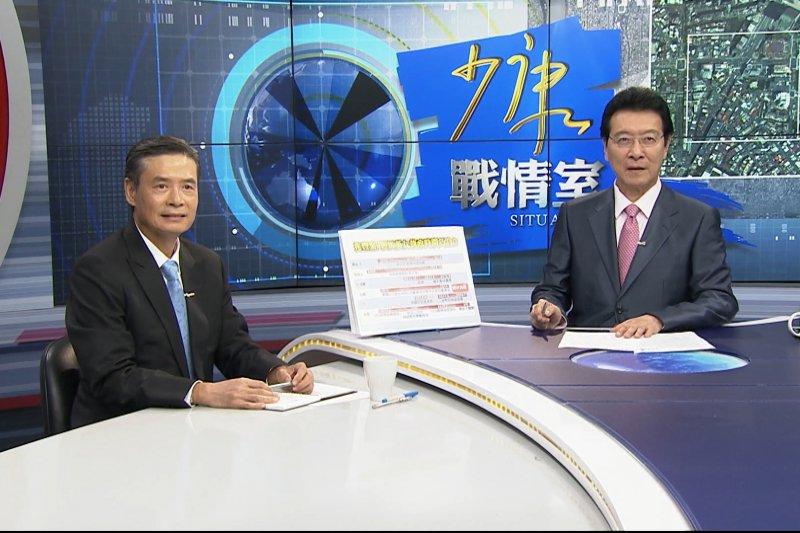 金溥聰(左)上TVBS《少康戰情室》 接受主持人趙少康,對於遭影射涉入兆豐金洗錢案 直斥「胡說八道!」(TVBS)