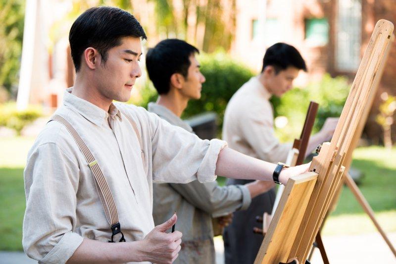 「畫咱的黃金時代,畫咱的自由世界」—江逸安。(圖/紫色大稻埕提供)