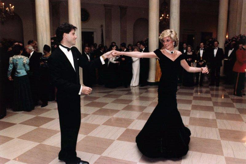 19年前的今天,英國最受人民愛戴的黛安娜王妃車禍驟逝。(圖/維基百科)